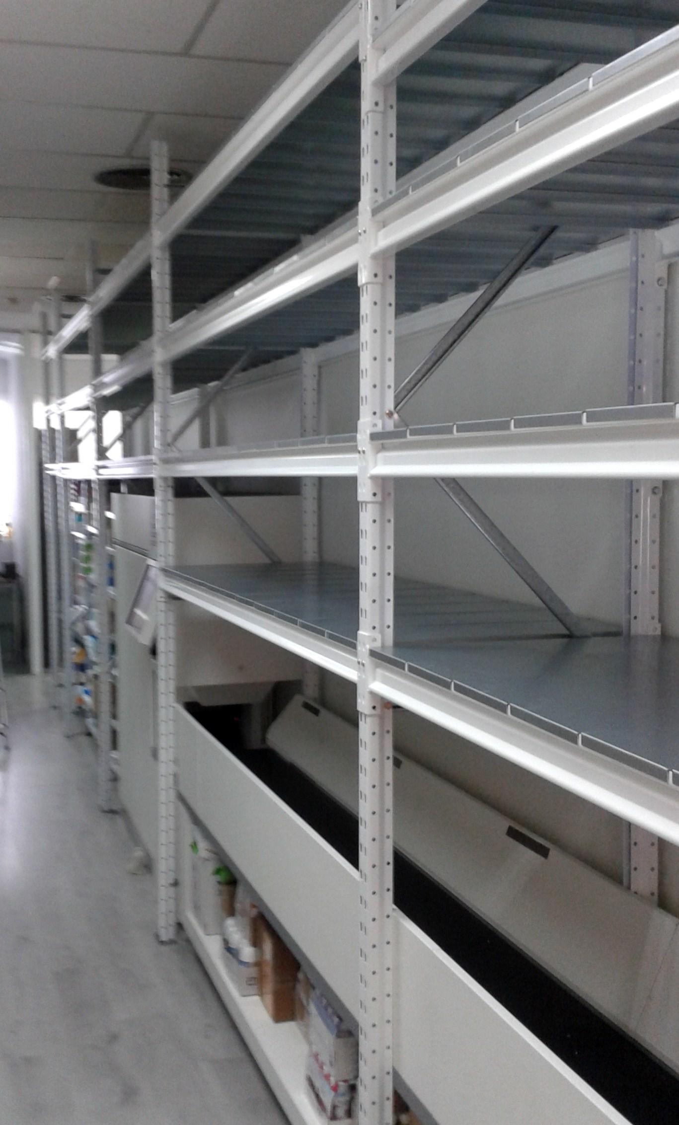Estanterias metalicas de media carga con estante metalico - Estanterias metalicas blancas ...