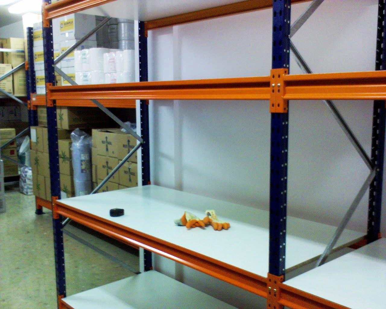 Estanterias trastero excellent laterales y de fondo para - Oferta estanterias metalicas ...