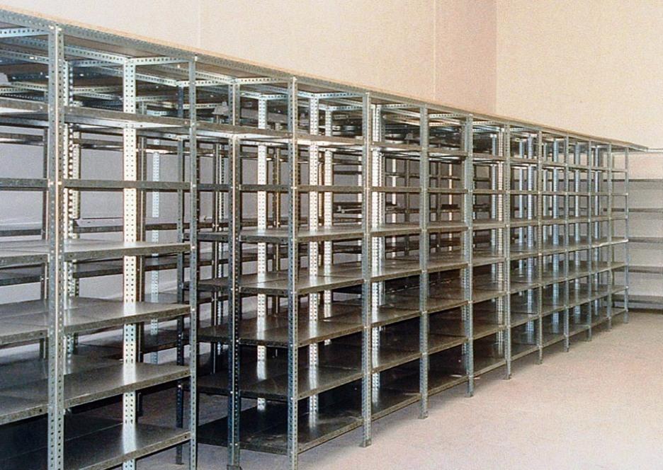 Estanterias para despensas excellent instalacin en el - Estanterias para garaje ...