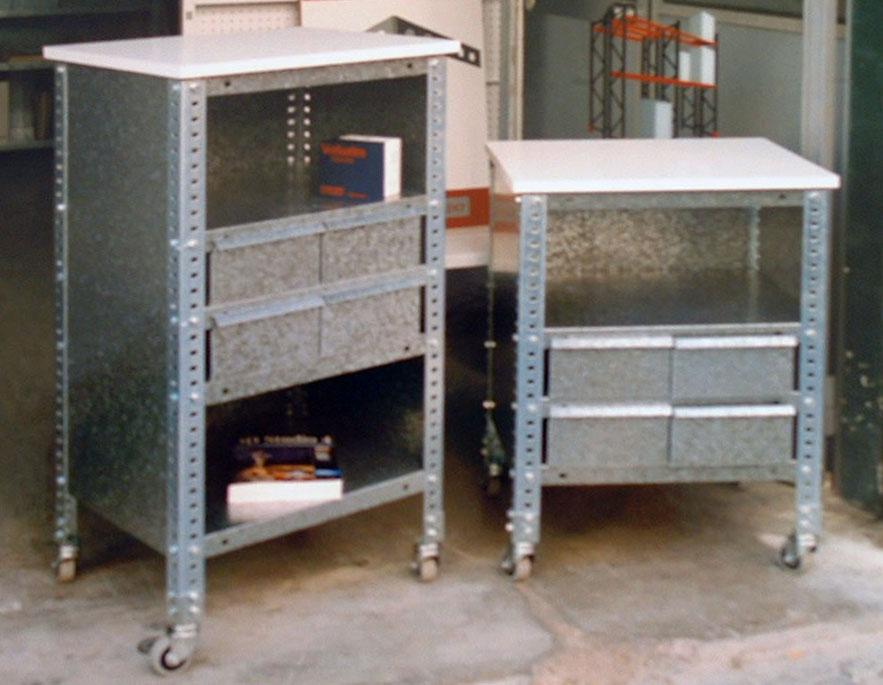 Mesas con tablero blanco estanterias met licas esme - Mesa auxiliar con cajones ...