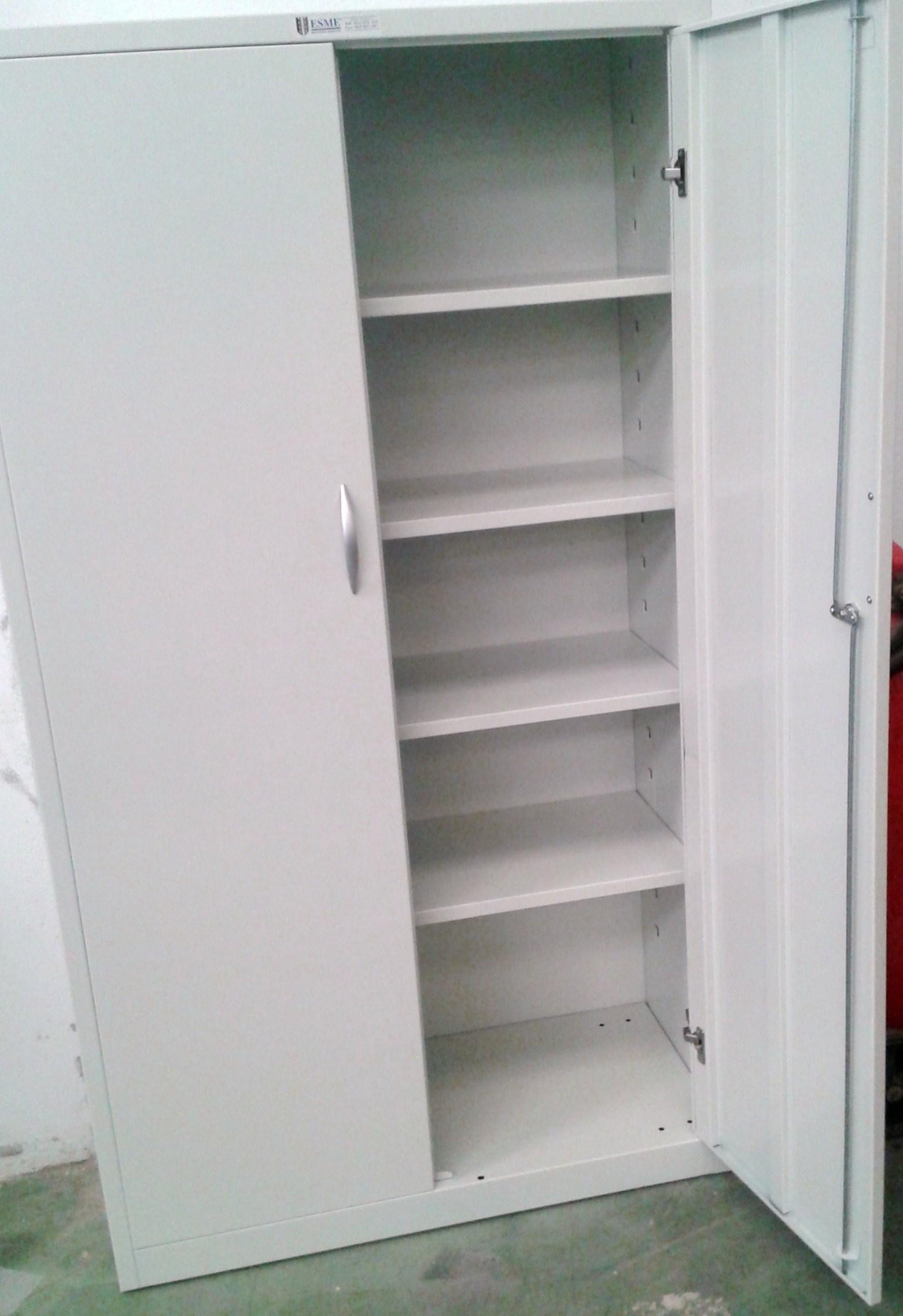 Armarios metalicos de puertas batientes estanterias for Armarios de oficina ikea