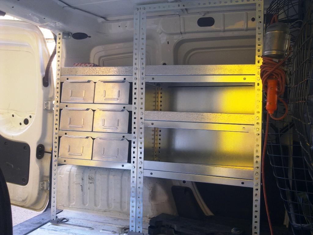 Diseño de estanterias metalicas para furgonetas y vehiculos ...