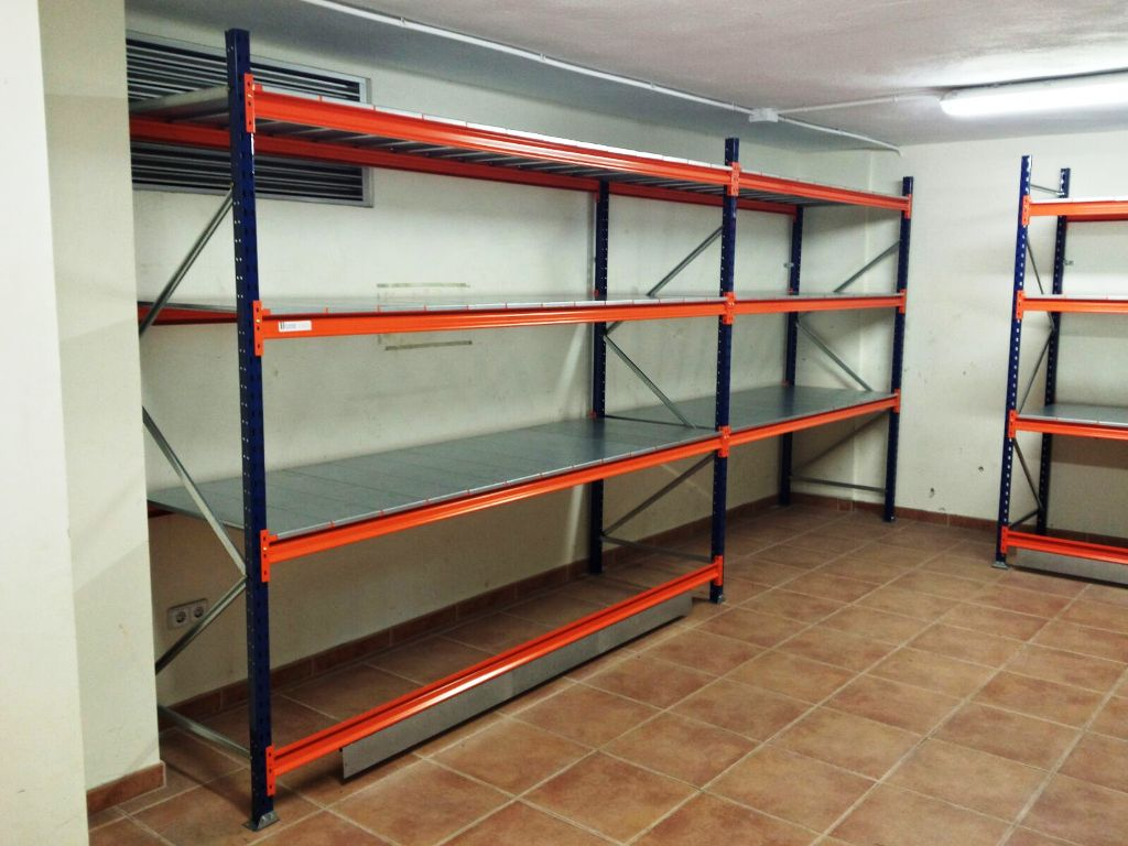 estanteria rack con topes