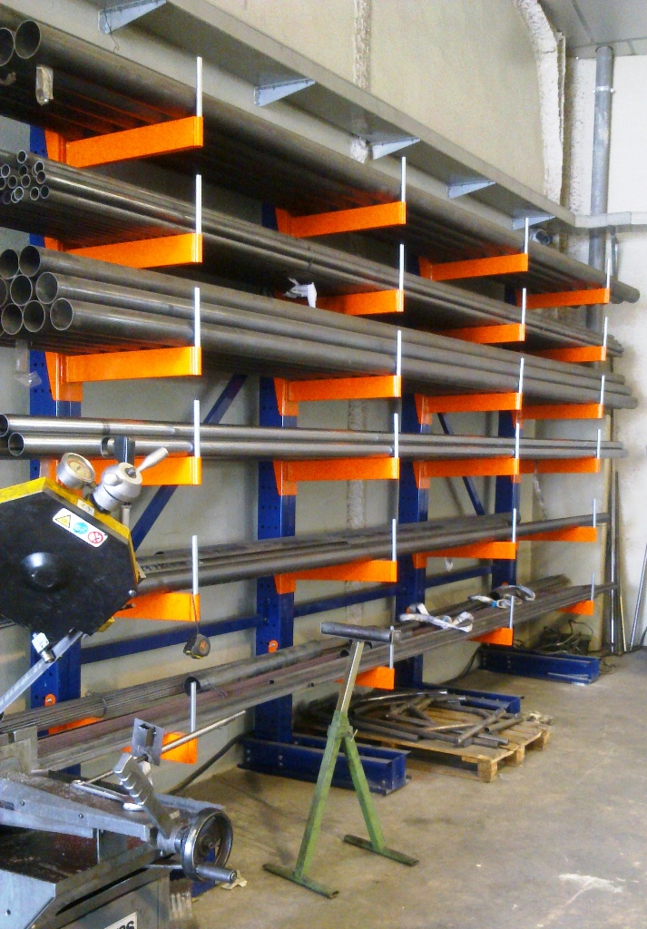 Estanterias metalicas de gran carga tipo kantilever para - Estanterias de pvc ...