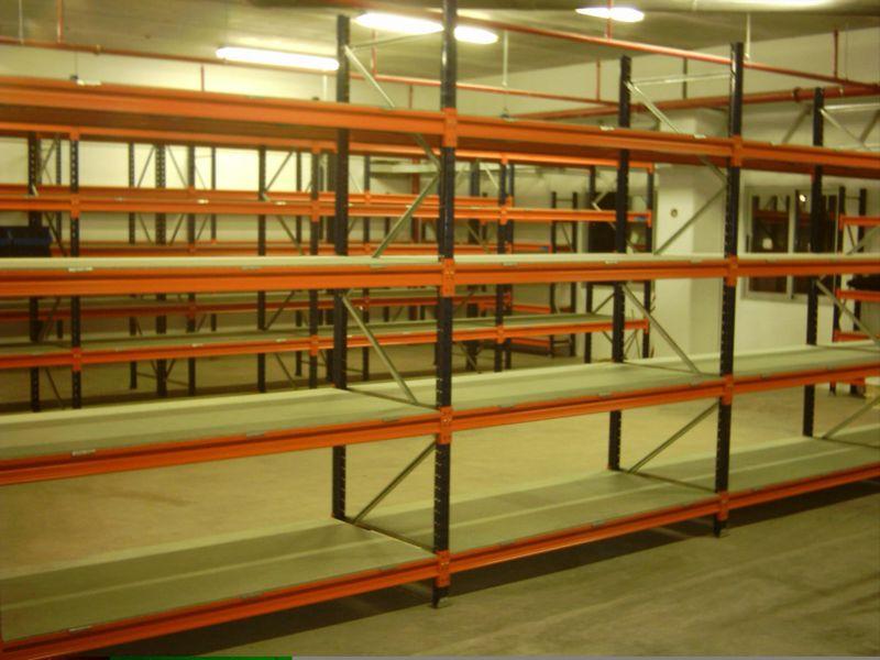 estanterias metalicas de media carga con estante de