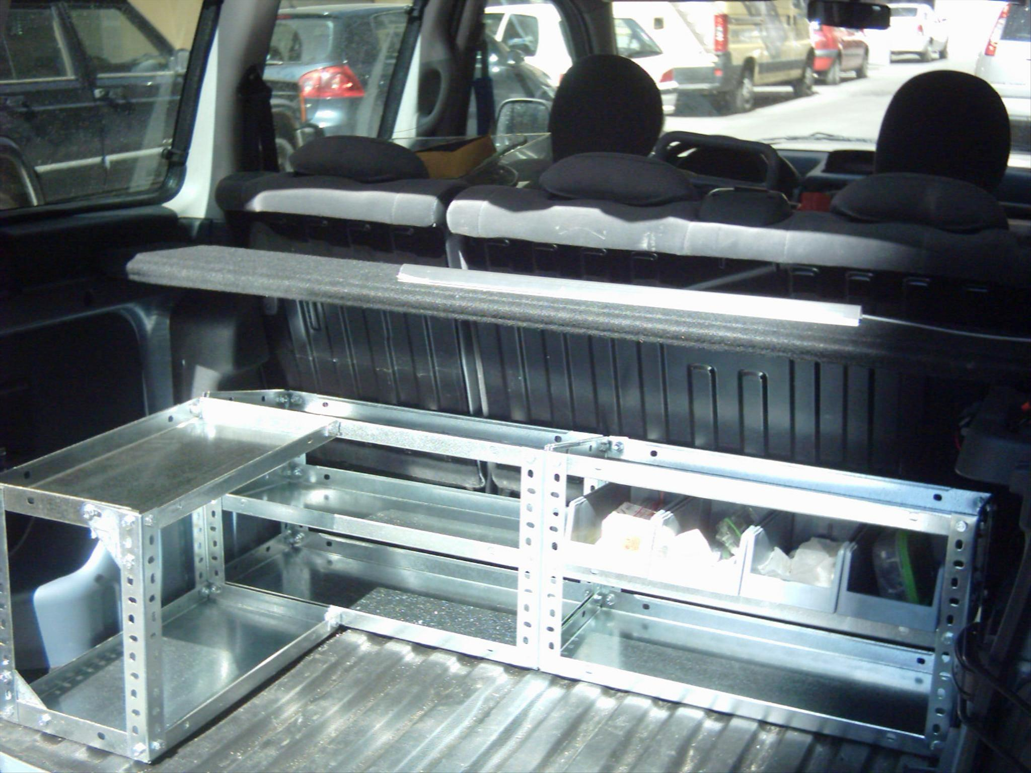 Dise o de estanterias metalicas para furgonetas y for Perfiles de estanterias metalicas