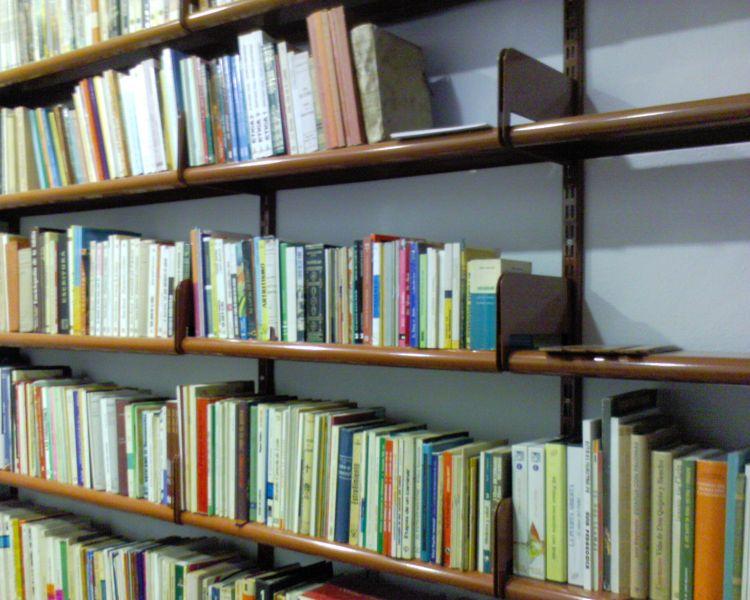 Estanterias metalicas para libros estanterias met licas esme - Estanterias para librerias ...