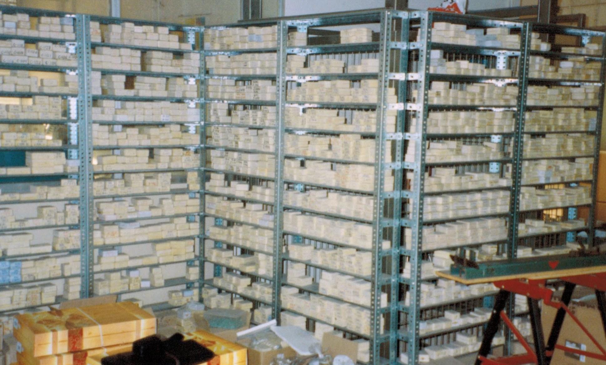 Estanterias metalicas de angulo ranurado estanterias - Estanterias metalicas para libros ...