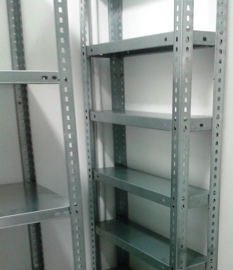 Estanterias metalicas de angulo ranurado estanterias - Estanterias metalicas de diseno ...